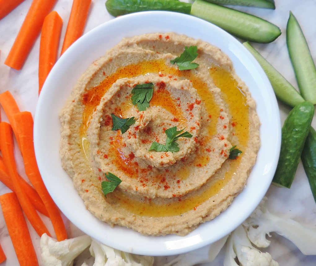 Easy Tahini-Free Hummus and Veggies 2